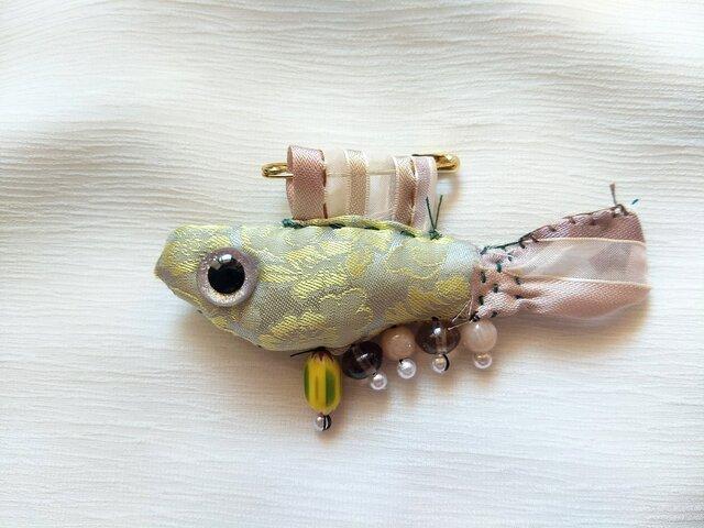 ブローチ ミニぬいぐるみ 宝石魚4の画像1枚目