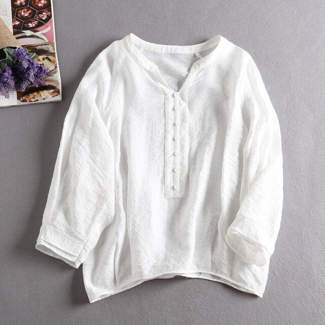 f8053106コットンとシルク生地 着心地よいシャツ ブラウス 通勤にも ホワイトの画像1枚目