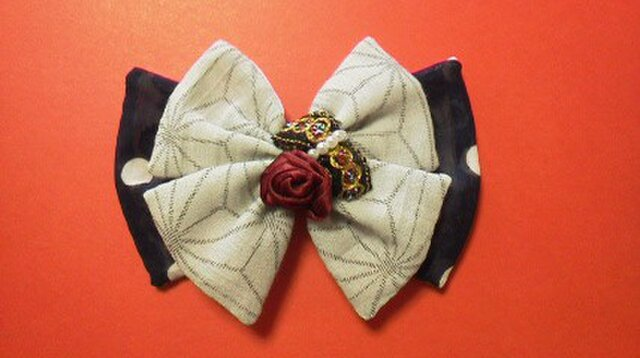 伝統の麻の葉模様と薔薇の花バレッタの画像1枚目