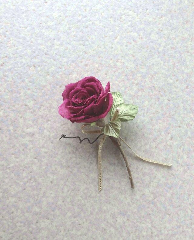 一輪の赤い薔薇 c * シルクデシン製 * コサージュの画像1枚目