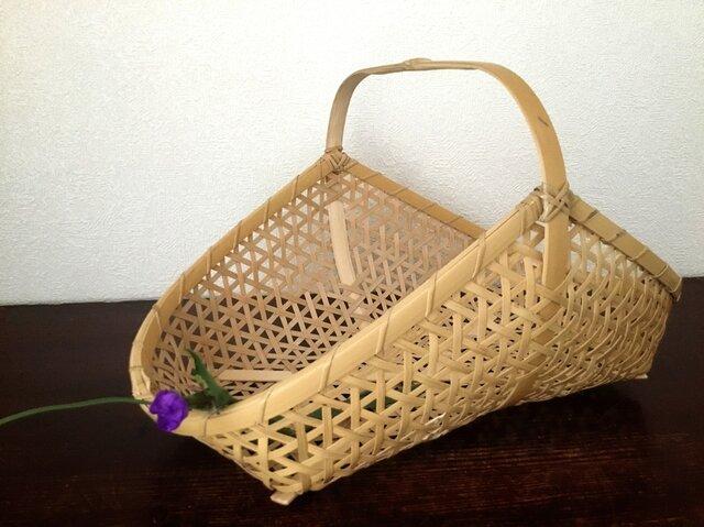 麻の葉編み手つき盛りかごの画像1枚目