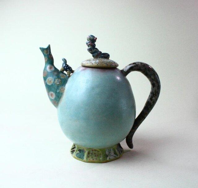 花と亀と虫のティーポット / 陶芸家 / 青磁 / ポット/急須/art ceramicの画像1枚目