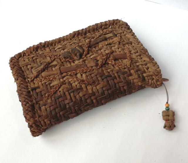 山葡萄の蔓で編んだカード入れ・ストラップ付(大)の画像1枚目