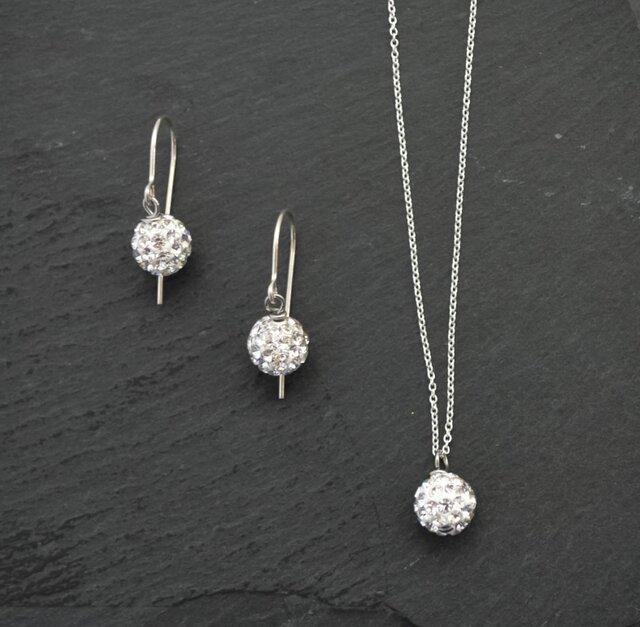 Swarovski Crystal Ball Necklaceの画像1枚目