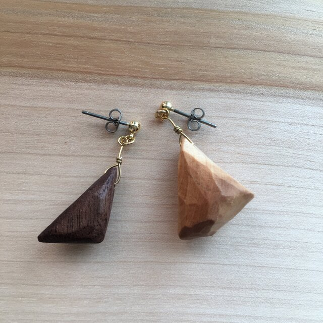 Touch of wood pirced earrings-aの画像1枚目