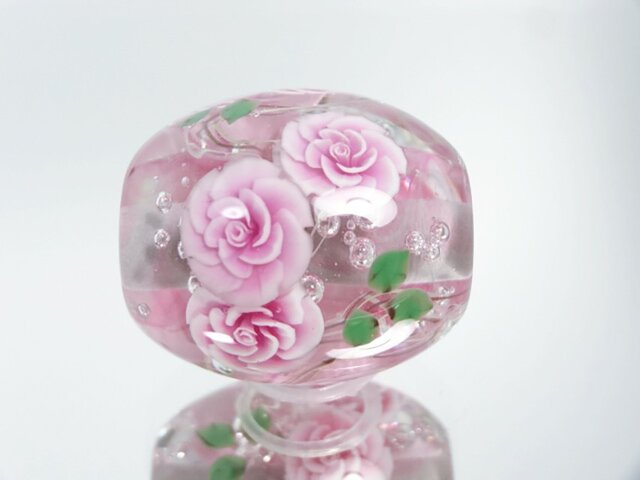 薔薇のとんぼ玉(ガラス玉)の画像1枚目