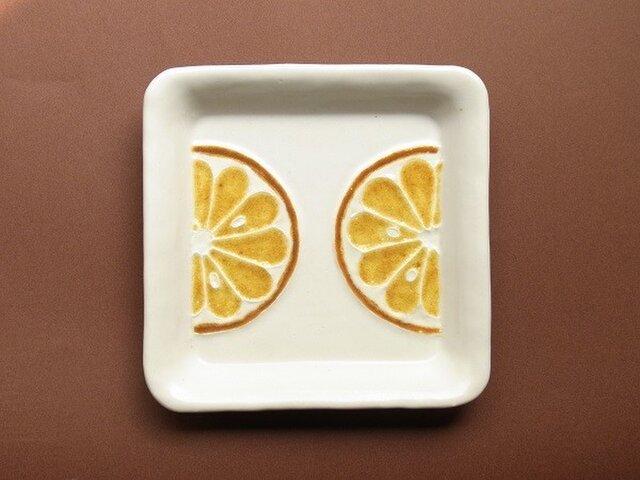 ガラス絵皿 四角 オレンジの画像1枚目