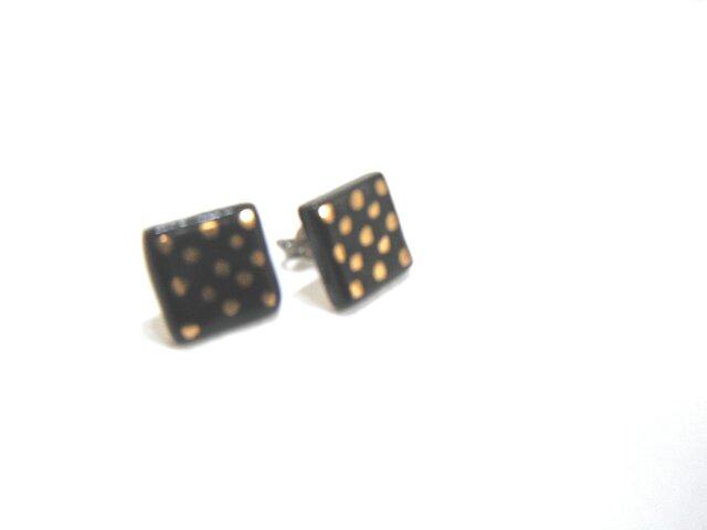 金彩dot square pierce(黒)の画像1枚目