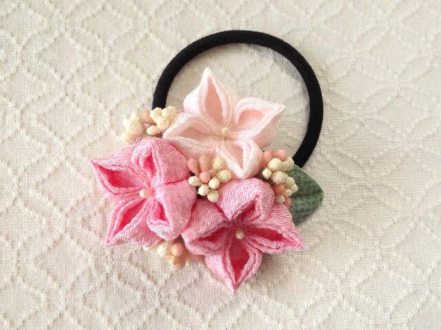 〈つまみ細工〉紫陽花のヘアゴム(ピンクと淡桜)の画像1枚目