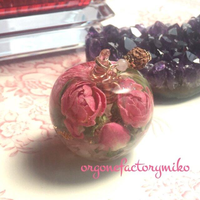 りんごちゃん 恋愛成就 ローズクォーツ ムーンストーン オルゴナイトの画像1枚目