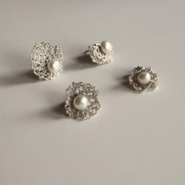 [ 4 way or more ] ネットレースと真珠のピアス [φ17mm_Silver ][ ペア ]の画像1枚目