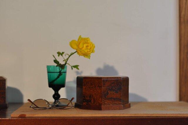 ケヤキ玉杢小箱 拭き漆塗の画像1枚目