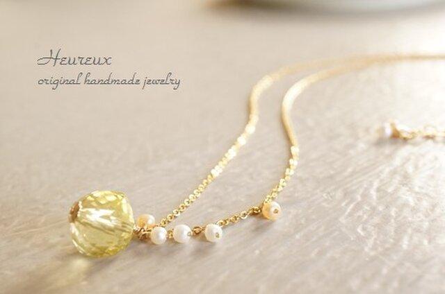 レモンクォーツ+淡水パールのネックレスの画像1枚目