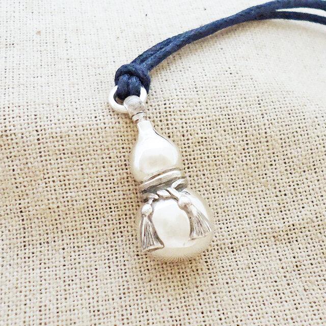 銀製の鈴『瓢箪』(シルバー925)根付・帯飾りの画像1枚目