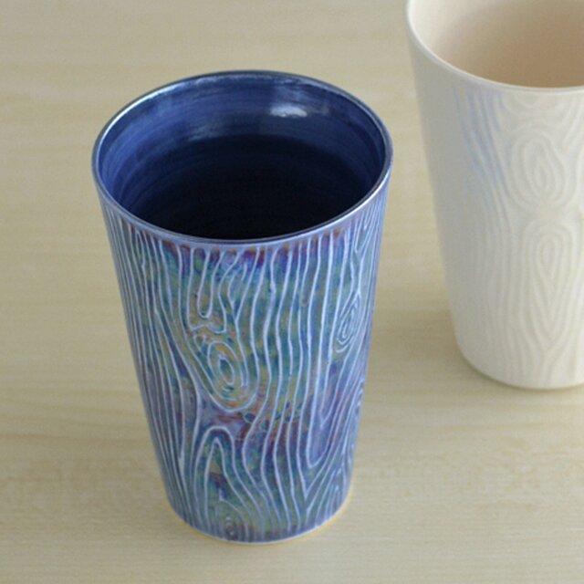 煌めく木目のビアカップ(青)の画像1枚目