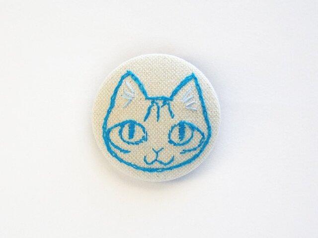 くるみボタンの刺繍ブローチ(トラ)の画像1枚目