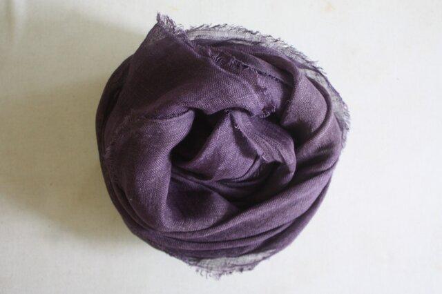 草木染め染めリネンガーゼストール(ログウッド、紫色)の画像1枚目