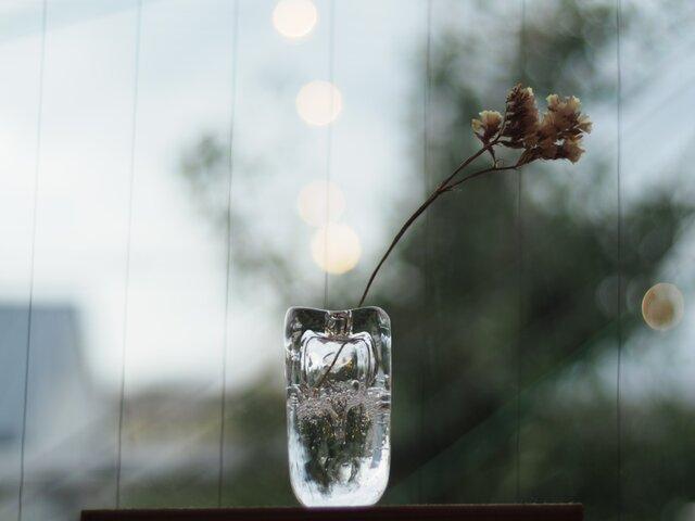 【再入荷】ガラスのフラワーベースの画像1枚目
