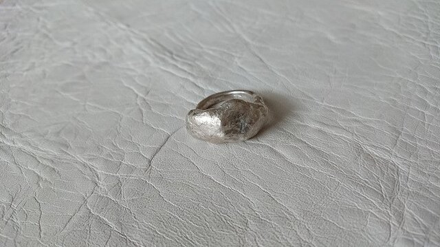 シルバーのリングの画像1枚目