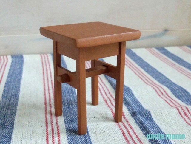 ドール用サイドテーブル(色:オレンジ) 1/12ミニチュア家具の画像1枚目