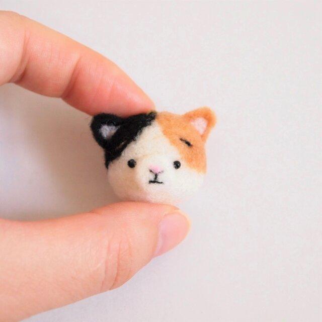 まゆ三毛猫(みけねこ) 携帯クリーナーストラップ 羊毛フェルト(アクレーヌ製)※受注製作の画像1枚目