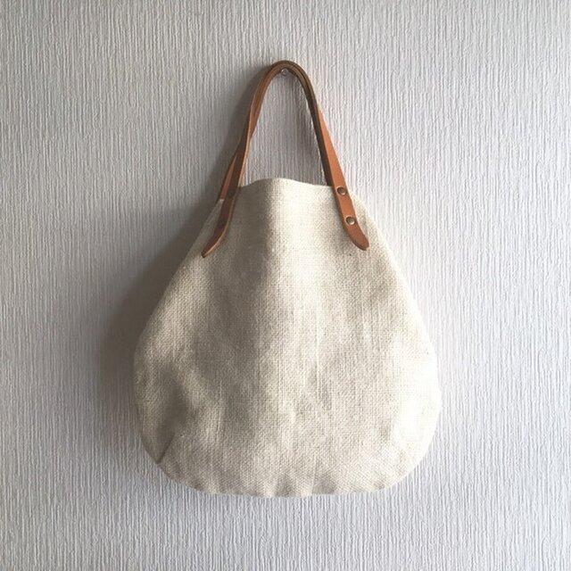 ジュート(麻100%)と極厚オイルヌメの丸型トートバッグ S-size【オフホワイト】の画像1枚目