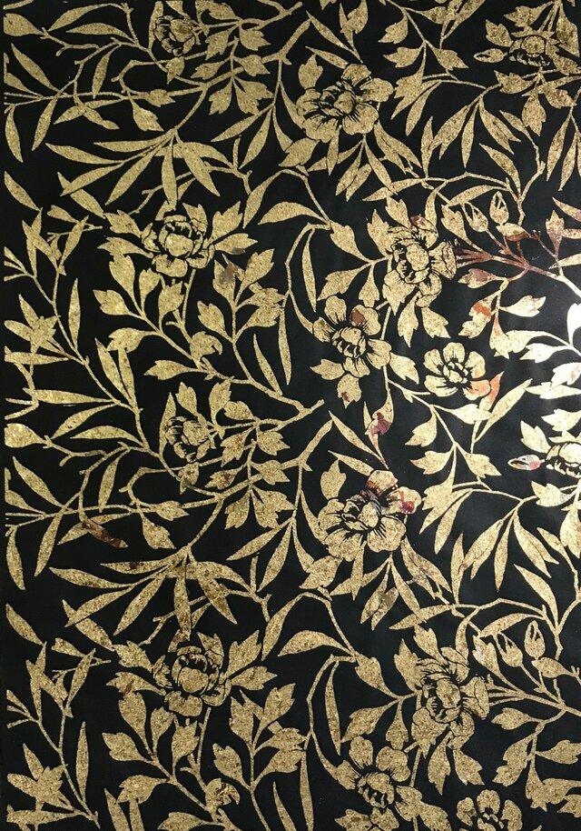 ギルディング和紙 椿柄黒和紙黃混合箔の画像1枚目