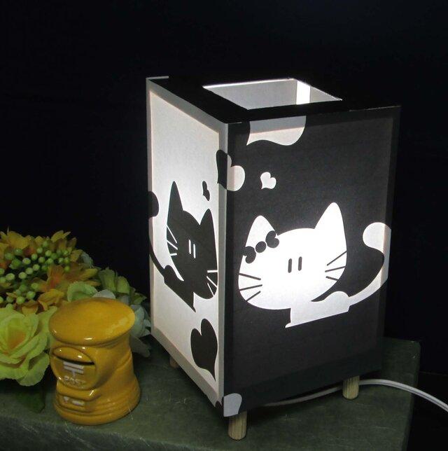 夢明かり≪子猫の微笑≫ 紙貼・豆形・LED 飾りライトの醍醐味を!!の画像1枚目