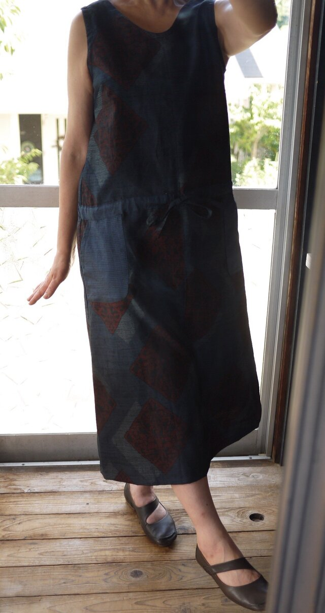 結城紬とリメイク大島紬のジャンバースカートの画像1枚目