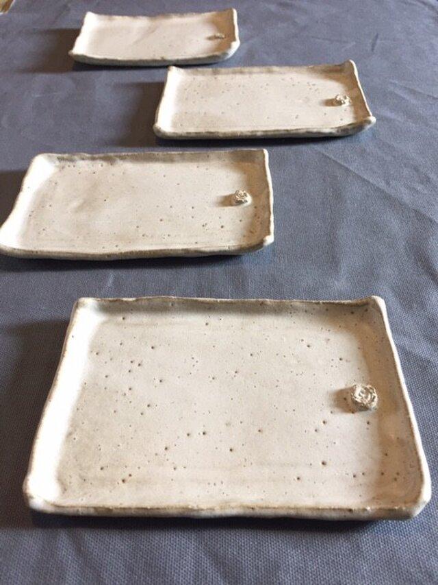 クリームマット四角皿の画像1枚目