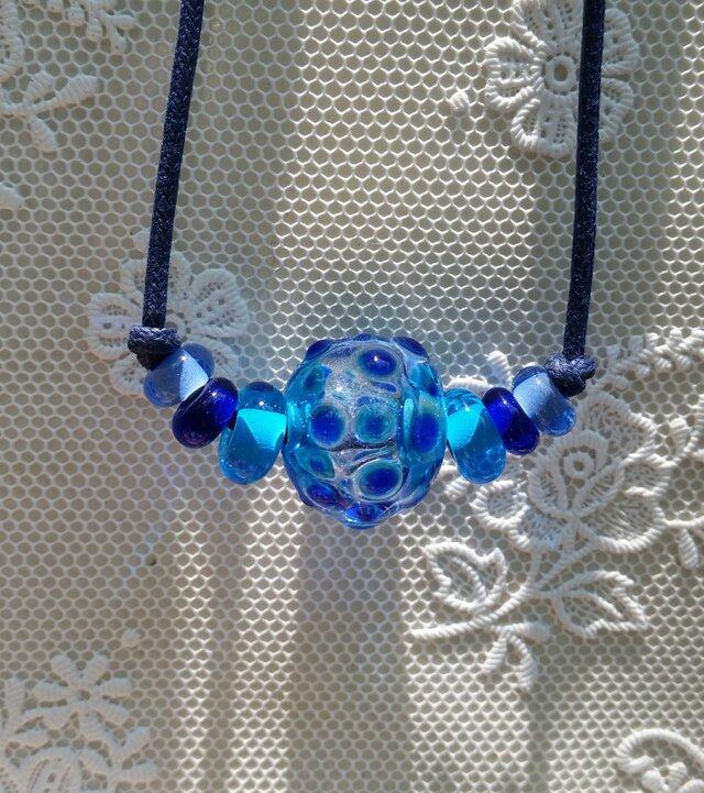 青の水玉~中空玉の画像1枚目