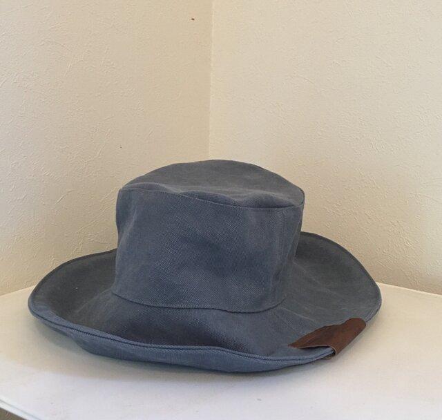 ウォッシュ加工の帆布  帽子の画像1枚目