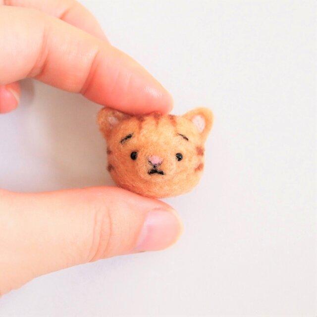 まゆねこ【茶トラ】 携帯クリーナーストラップ 羊毛フェルト(アクレーヌ製)※受注製作の画像1枚目