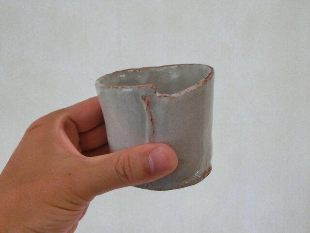 粉引きゆがみフリーカップ Aの画像1枚目