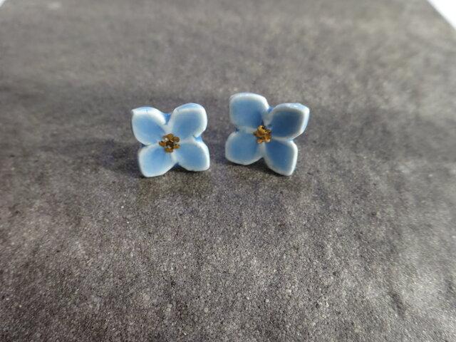 小さい花のpieace/earring (水色)の画像1枚目