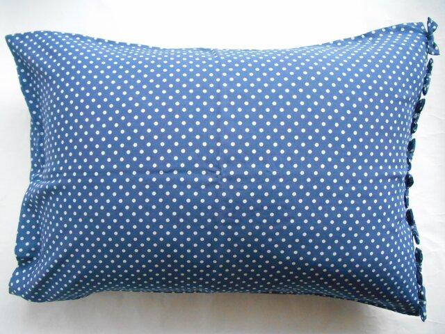 リボン付きかわいい水玉ブルー枕カバーの画像1枚目