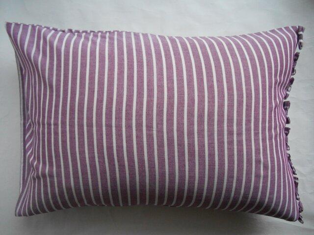 パープルリボン付きかわいいストライプ枕カバーの画像1枚目