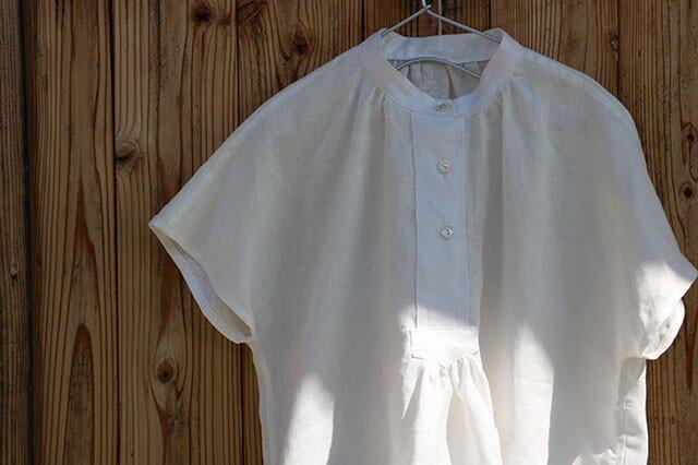 フロントギャザー半袖ブラウス:白の画像1枚目