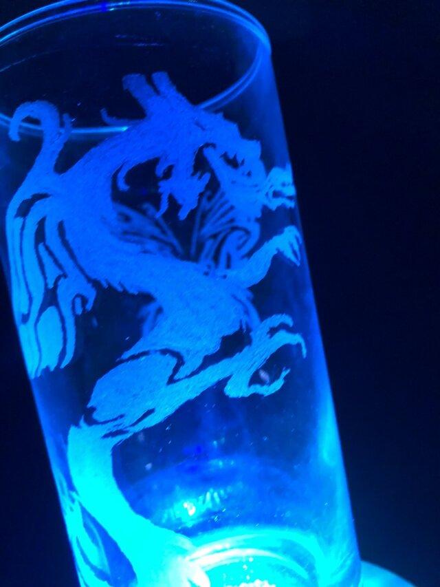 龍と蝶のグラスリッツェンの画像1枚目