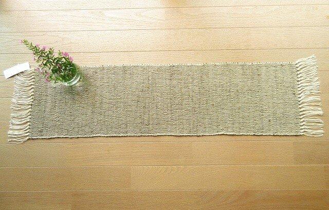 たまねぎの皮で染めたきびそ糸(絹)の手織りテーブルセンター(2)の画像1枚目