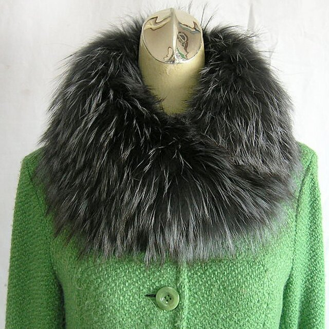 ¶ new antique fur ¶ シルバーフォックスファーブルーグレー染nejiriスヌード「burg」の画像1枚目