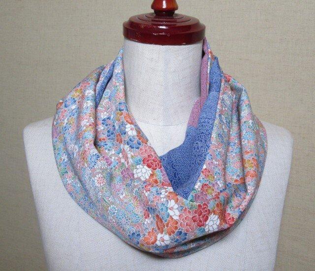 着物リメイク 可憐な花模様の加賀友禅着物から作った優しい雰囲気のスヌードの画像1枚目
