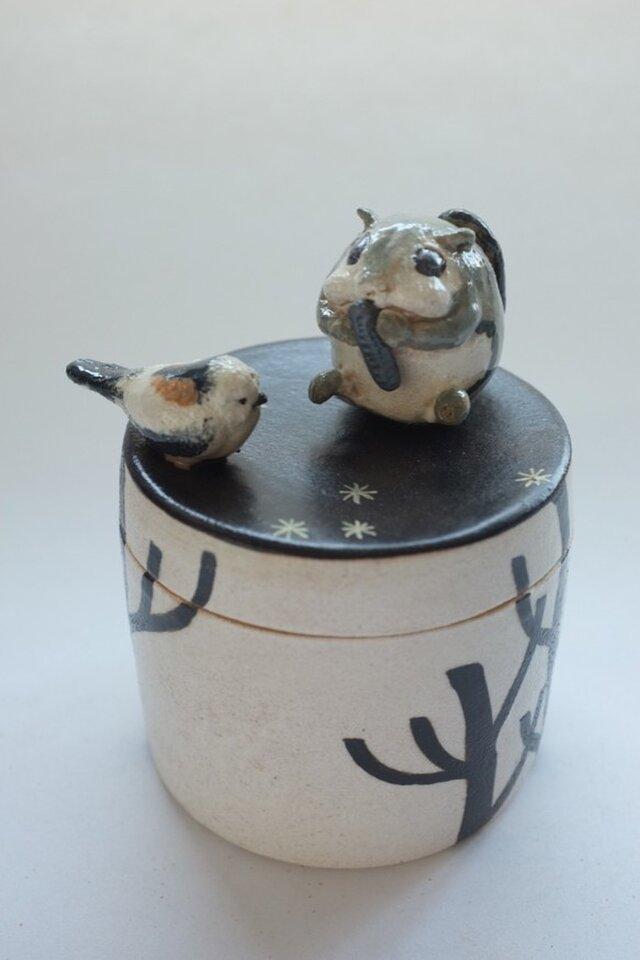 陶ハコ「エゾモモンガとシマエナガ」の画像1枚目