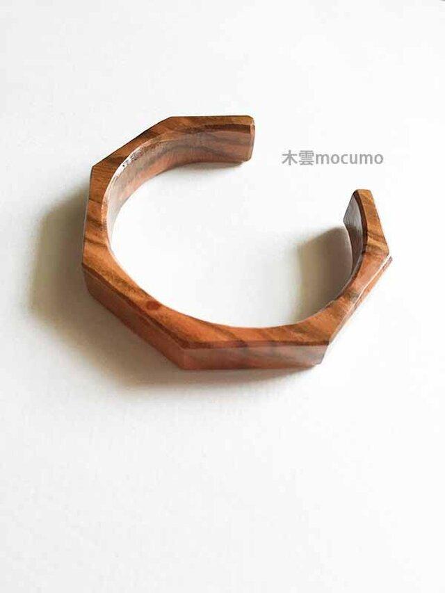 桜の木のバングル *11mm幅 × 手首の周囲 約155〜165mm*の画像1枚目
