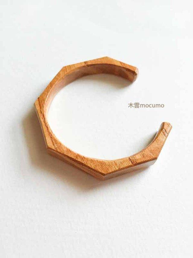 ケヤキの木のバングル *8mm幅 × 手首の周囲 約152〜155mm*の画像1枚目