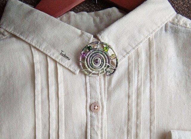 染め糸観覧車ブローチ 綿絹糸 新芽の色の画像1枚目