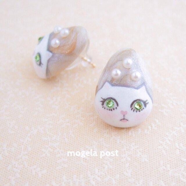 【再販】14kgf♡lady white catの耳飾り♡peridot colorの画像1枚目