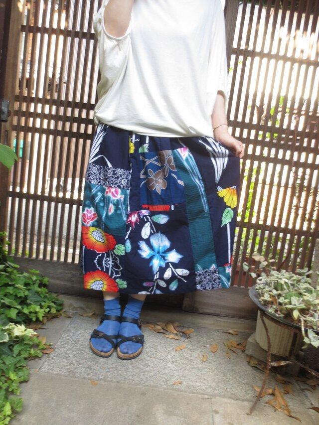ゆかたリメイク☆夏の盛りにカラフルレトロ浴衣パッチスカート81㎝丈の画像1枚目