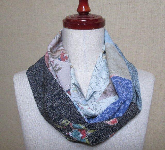 着物リメイク 10種類の正絹着物をパッチワークして作ったスヌードの画像1枚目