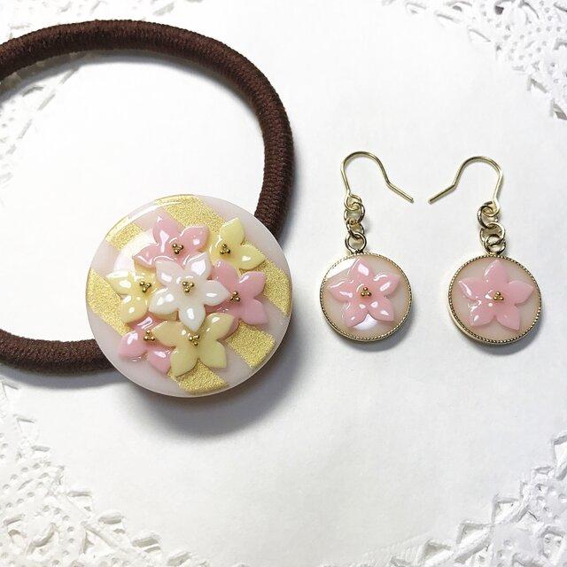 ピンクストライプflowerブーケヘアゴムとflowerピアスの画像1枚目